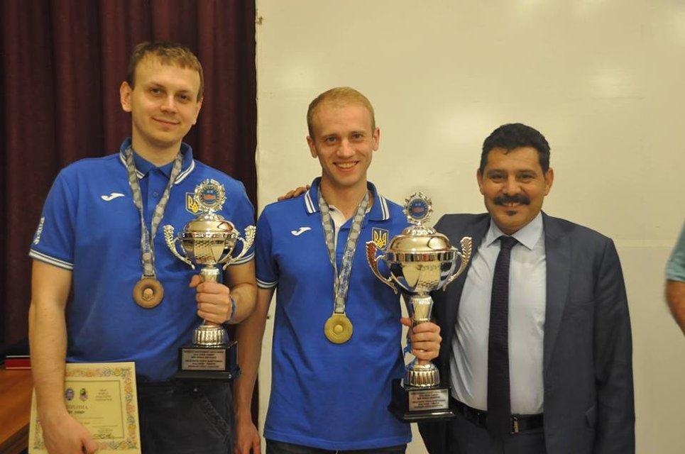 Чемпіон світу з шашок Юрій Анікєєв: Я був у чорній вишиванці, вони ще моєї білої не бачили - фото 32838