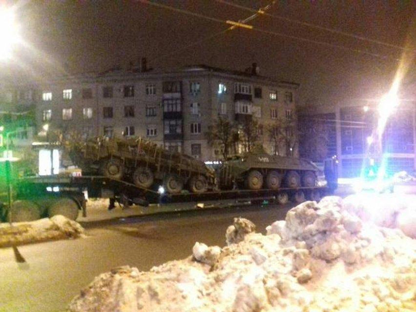 В Харькове произошло ДТП с участием двух БТР - фото 34114