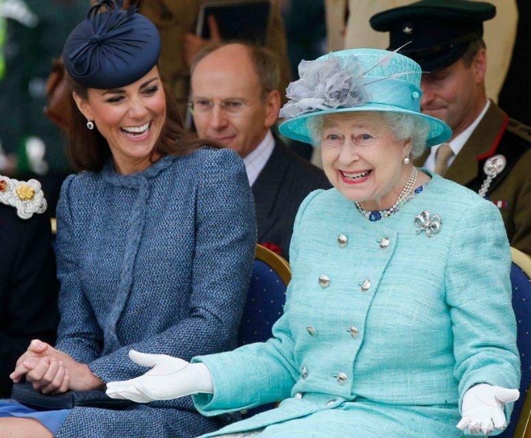Эпоха Елизаветы. Королева Великобритании отмечает 65 лет правления - фото 33301