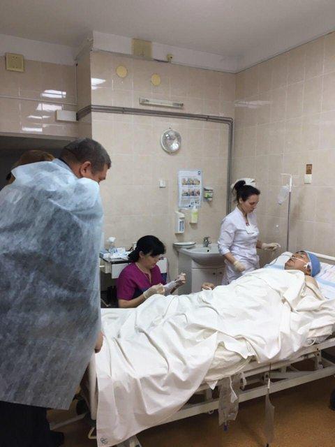 Раненый в Авдеевке спасатель пришел в сознание - фото 32969