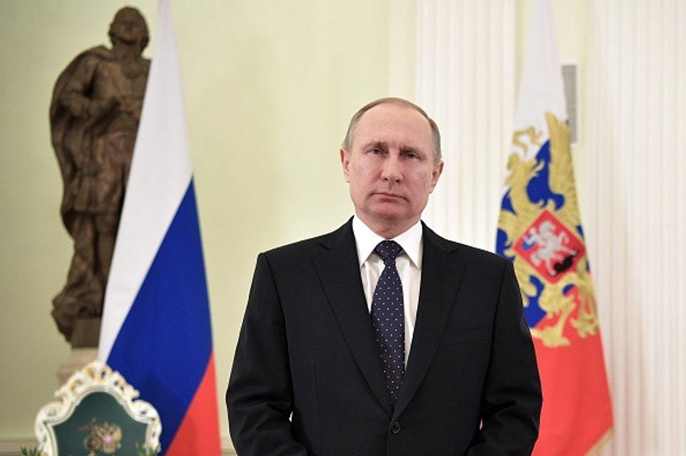 Игра в либерализацию. Как и зачем Путин пытается прикинуться ранним Горбачевым - фото 36144