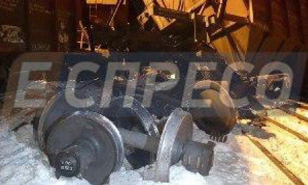 В Киеве столкнулись и сошли с рельс грузовые поезда - фото 34041