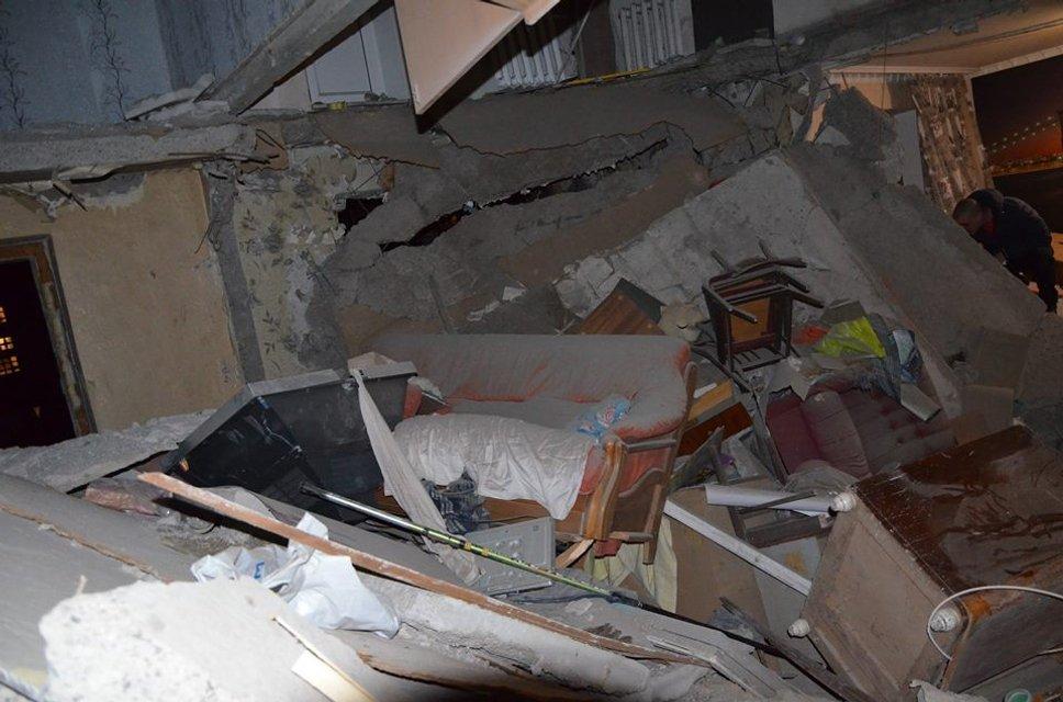 Пресс-центр АТО опубликовал фото последствий обстрела боевиками Авдеевки - фото 34888