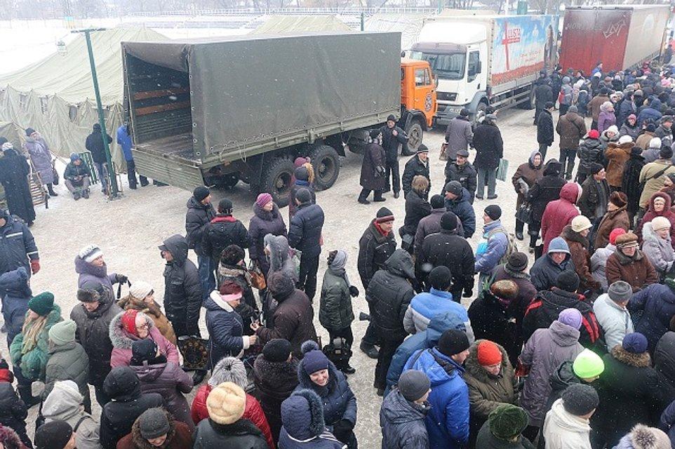 Из Авдеевки эвакуировали более 200 человек, организованы пункты жизнеобеспечения - фото 32802
