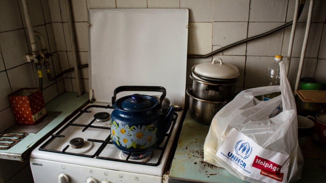 Як українська родина пенсіонерів бореться за виживання на лінії фронту - фото 35402