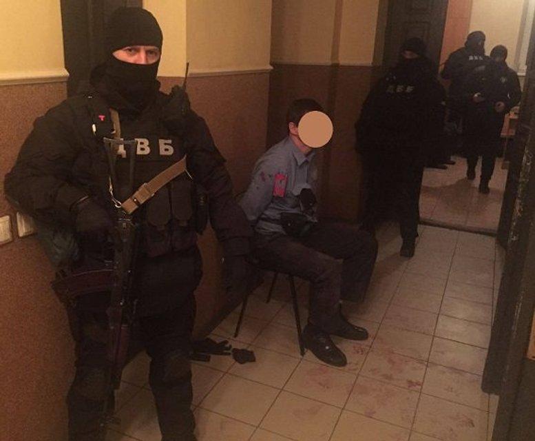 Во Львове разоблачили ОПГ из числа полицейских - фото 36205