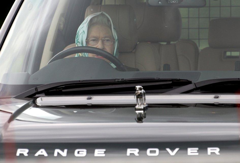Эпоха Елизаветы. Королева Великобритании отмечает 65 лет правления - фото 33299