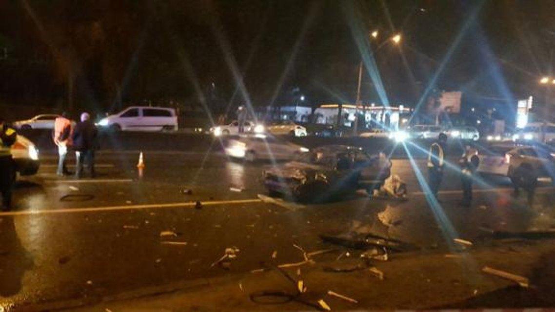 Масштабное ДТП в Киеве: на выезде столкнулось 5 автомобилей, есть погибшие - фото 38904