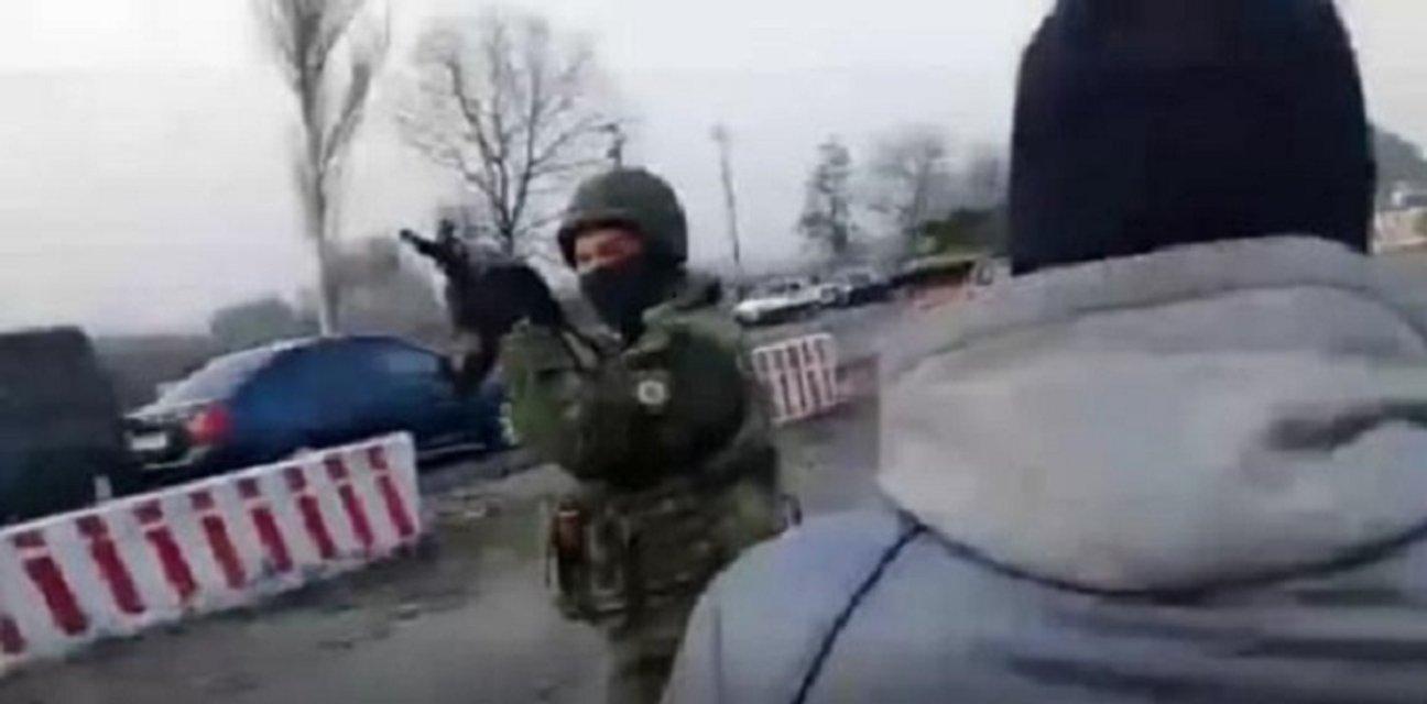 Силовики открыли огонь по активистам на Донбассе - фото 38438