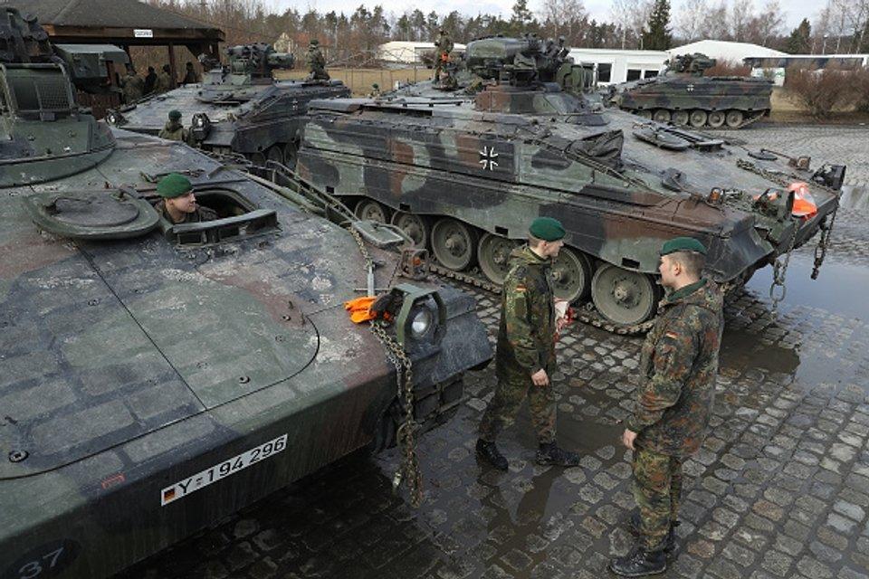 Допомога Естонії від Західних союзників - фото 36512
