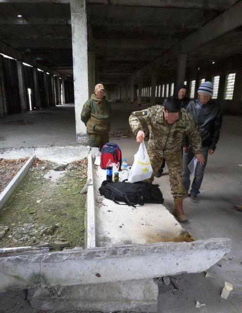 СБУ задержала начальника артиллерийского склада ВСУ, который торговал взрывчаткой - фото 39947