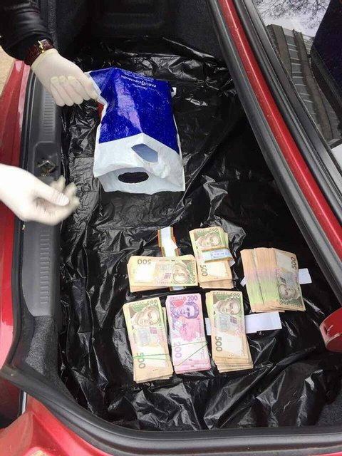 Сотрудники ГФС требовали 270 тысяч взятки за снижение штрафов после проверки - фото 39615