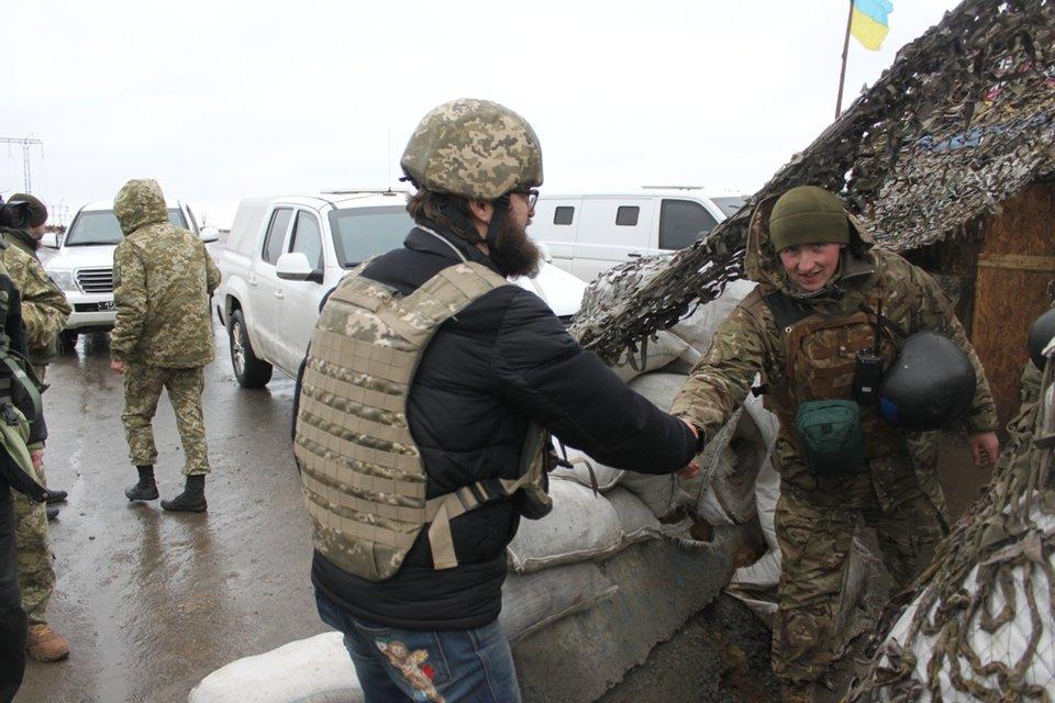 Дзідзьо сыграл на передовой для украинских пограничников - фото 39178
