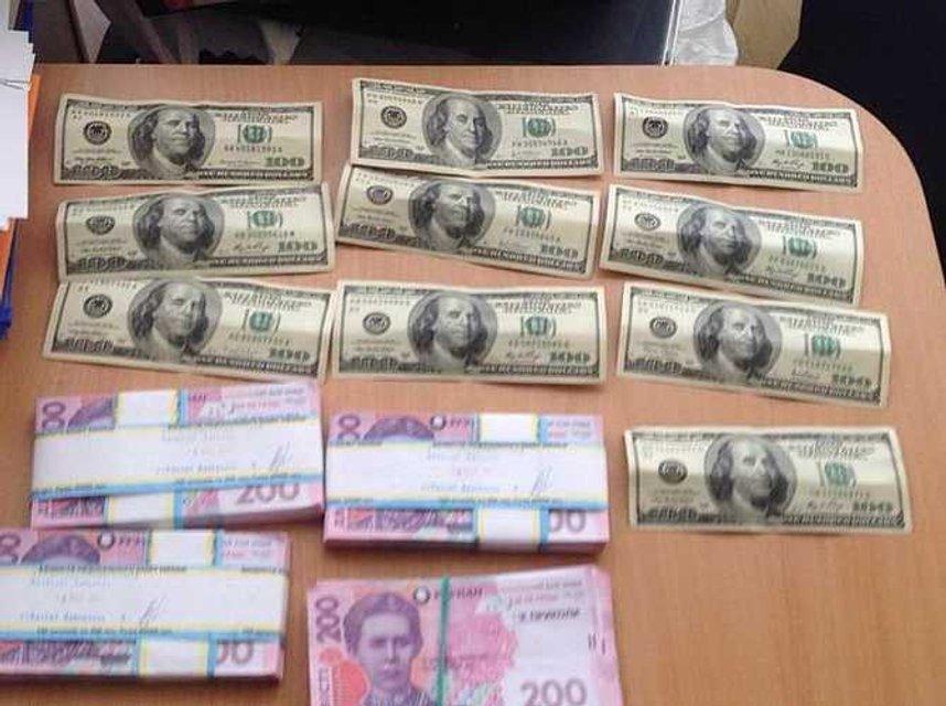 Харьковский врач погорел на взятке в 100 тысяч - фото 40126
