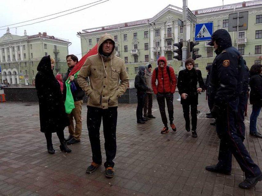 День Воли в Минске: ОМОН массово задерживает активистов и наблюдателей - фото 39757