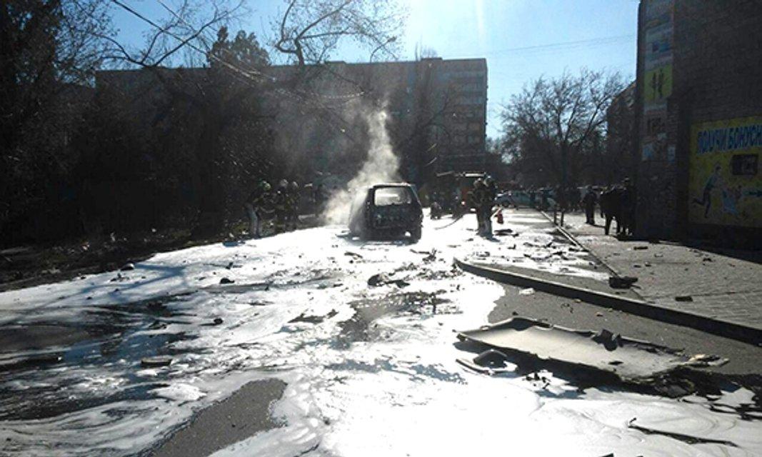Погибшим в результате взрыва авто в Мариуполе оказался замначальника контрразведки СБУ - фото 40610