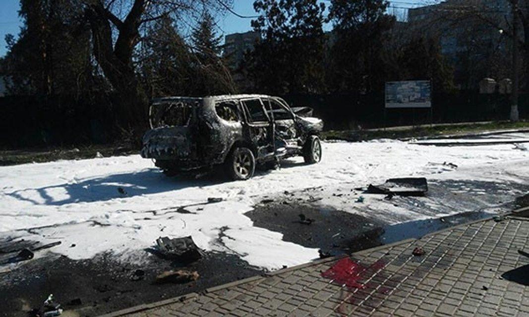 Погибшим в результате взрыва авто в Мариуполе оказался замначальника контрразведки СБУ - фото 40606