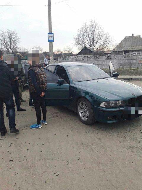 Полицейский в Донецкой области погорел на взятке в 27 000 гривен - фото 39748