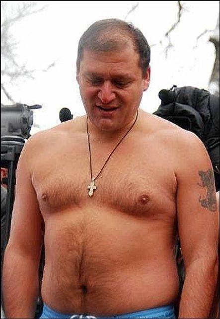 Чиновник с драконом. Семь известных политиков с татуировками на теле - фото 43045