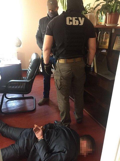 Замначальника отделения полиции попался на взятке - фото 41164