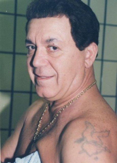 Чиновник с драконом. Семь известных политиков с татуировками на теле - фото 43044