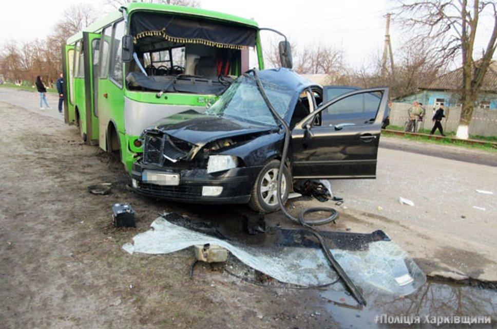 В Балаклее произошло ДТП, есть погибшие - фото 42017