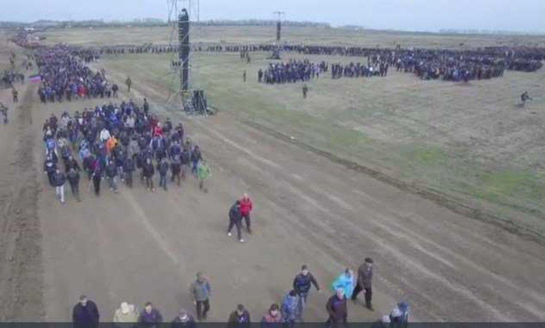 Боевики согнали под Чистяково 27 тысяч мобилизованных бюджетников - фото 41446