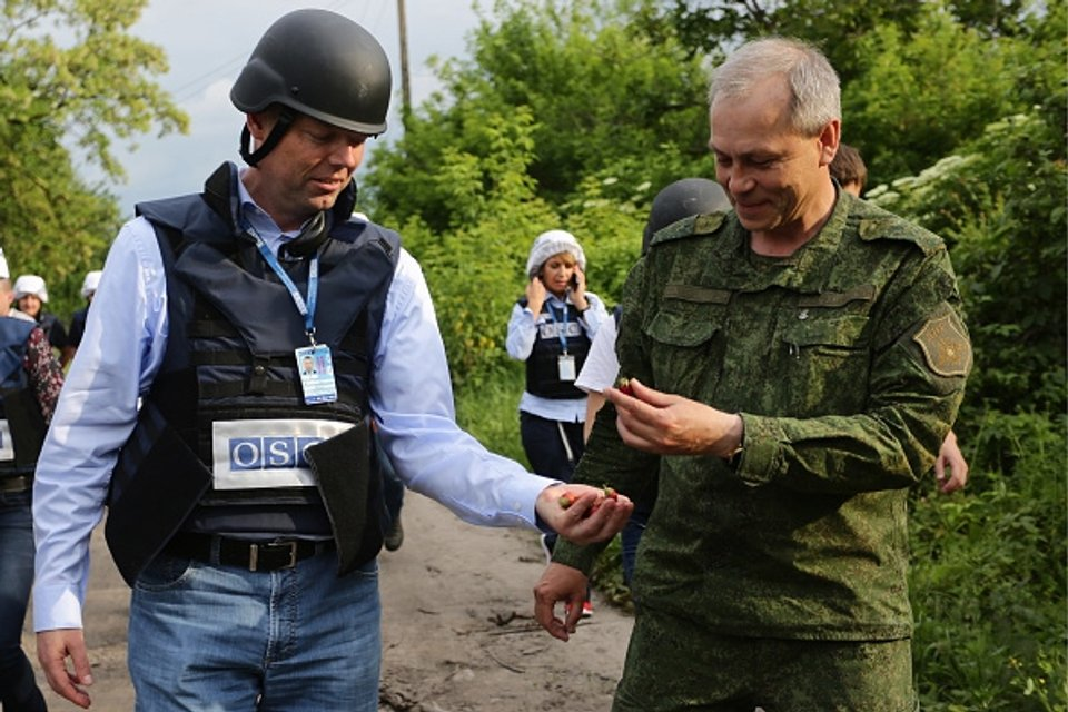 "Один из главарей ""ДНР"" Эдуард Басурин активно работает с ОБСЕ - фото 43697"