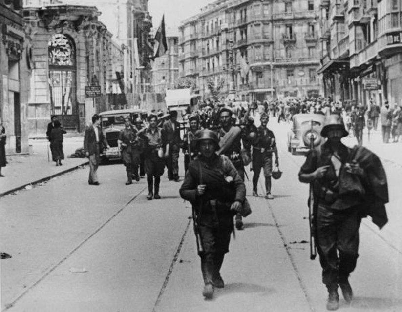 Франкисты в Бильбао - фото 41643