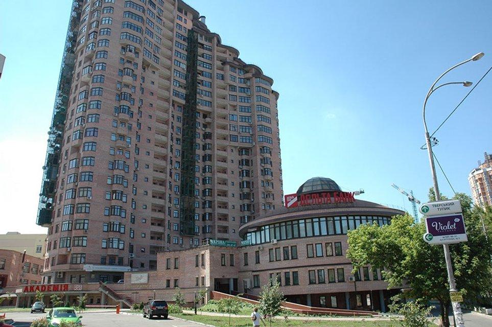 Жити як суддя: маєток подарували, а квартира в центрі Києва і машина записані на матір - фото 41865