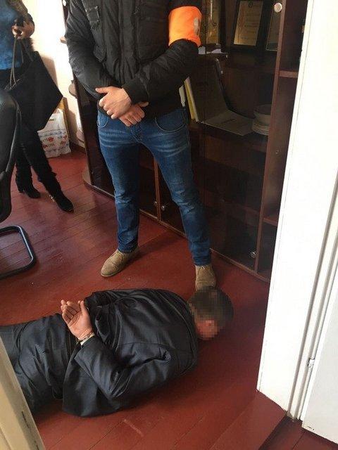 Замначальника отделения полиции попался на взятке - фото 41163