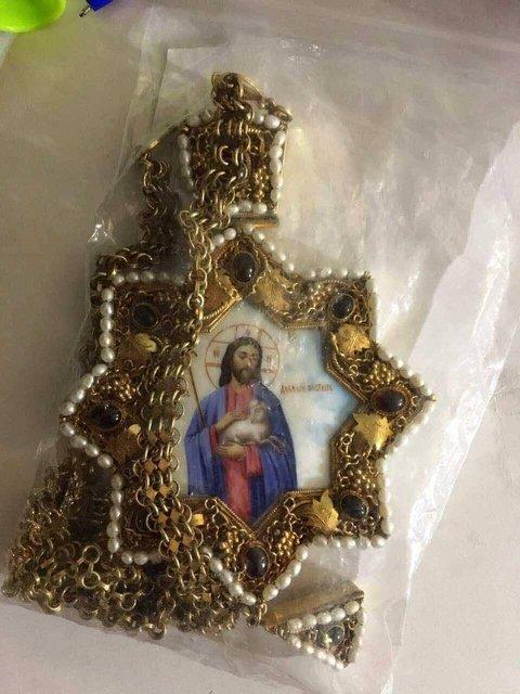 Экс-протоиерей пытался продать драгоценности, которые носил покойный митрополит Владимир - фото 41594