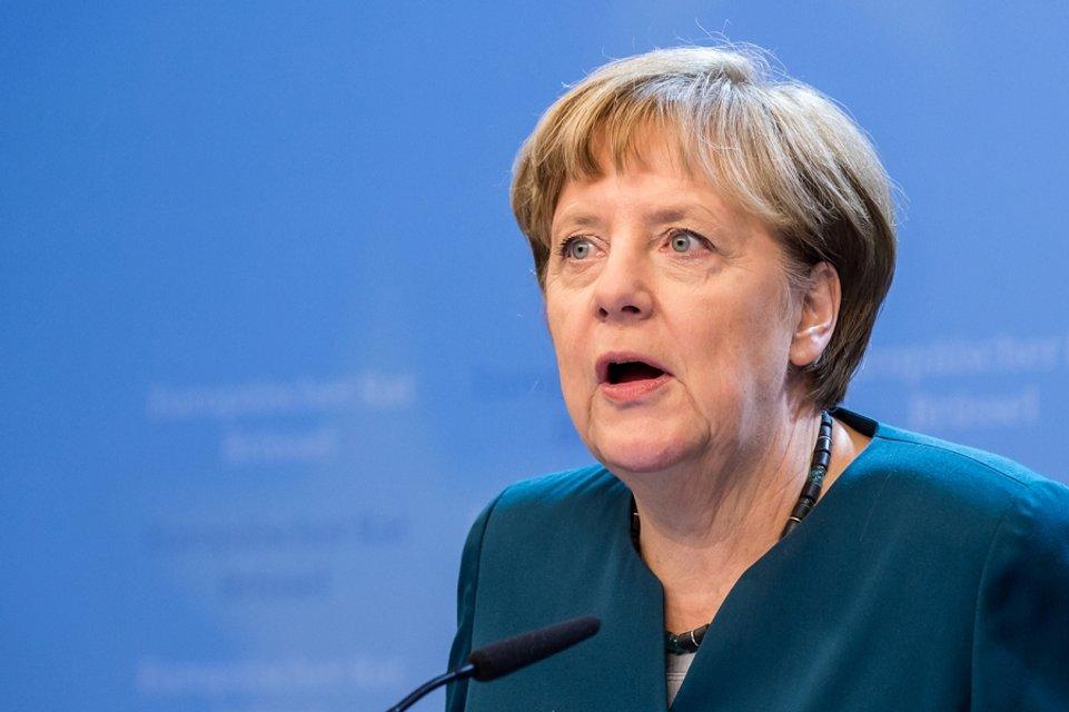 Обзор дезинформации. В Кремле во всех бедах Европы винят Германию, а Порошенко - диктатор - фото 43358