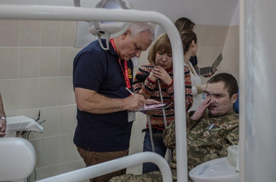 Євген Редько був важко поранений під Маріуполем - фото 41754