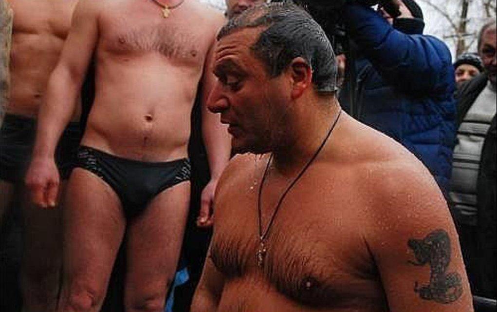 Главный военный прокурор Матиос показал шокирующее тату на всю руку (фото) - фото 42969