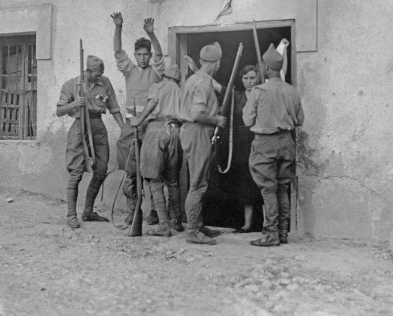 Солдаты Франко и баскские партизаны - фото 41644