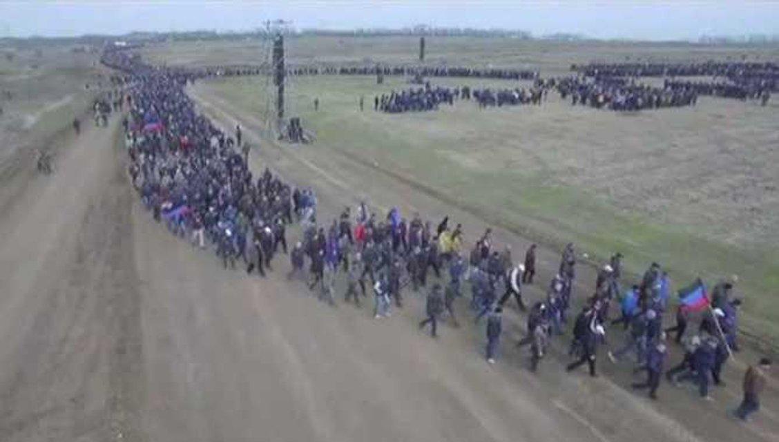 Боевики согнали под Чистяково 27 тысяч мобилизованных бюджетников - фото 41445