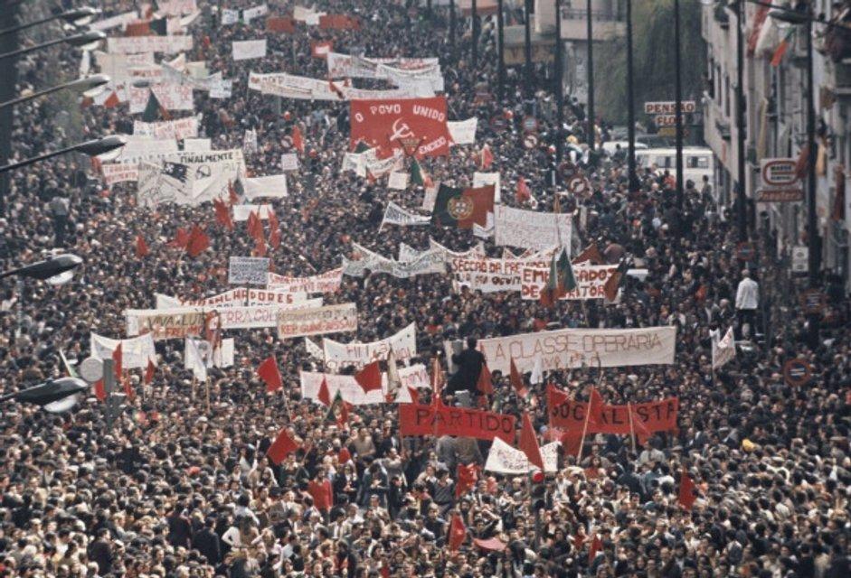 Дело молодых: Португальская революция как хороший пример для Украины - фото 43865