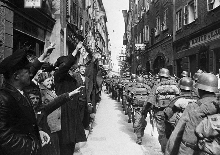 Австрійці вітають вермахт - фото 42009