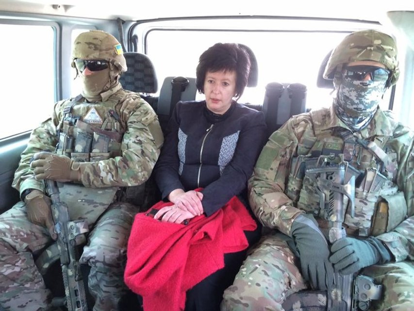 Боевики передали украинскому омбудсмену 14 осужденных - фото 42038