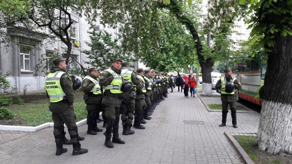 День Победы. В Киеве небывалые меры безопасности в местах выступления Порошенко - фото 45611