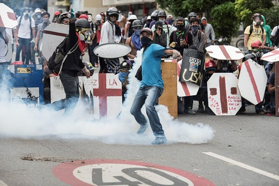 Уличные бои в Каракасе - фото 45058