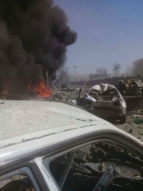 В центре Кабула прогремел мощный взрыв, пострадало более 50 человек - фото 48892