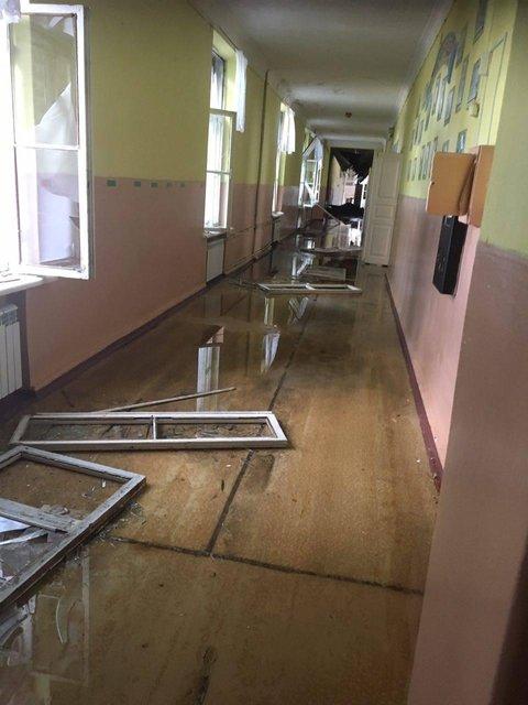 Стреляли в больницу и школу. Появились фото циничных обстрелов террористами Красногоровки - фото 48545