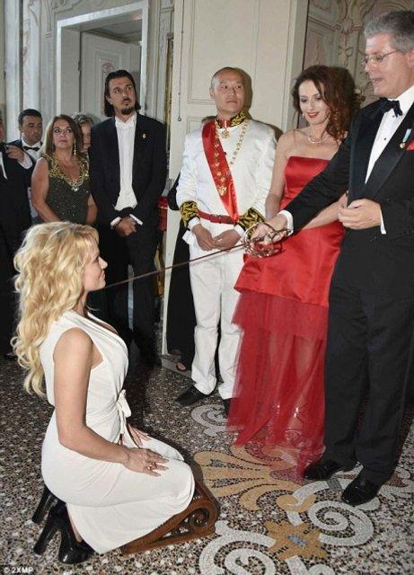 В Италии поймали нового принца Черногории - фото 52282