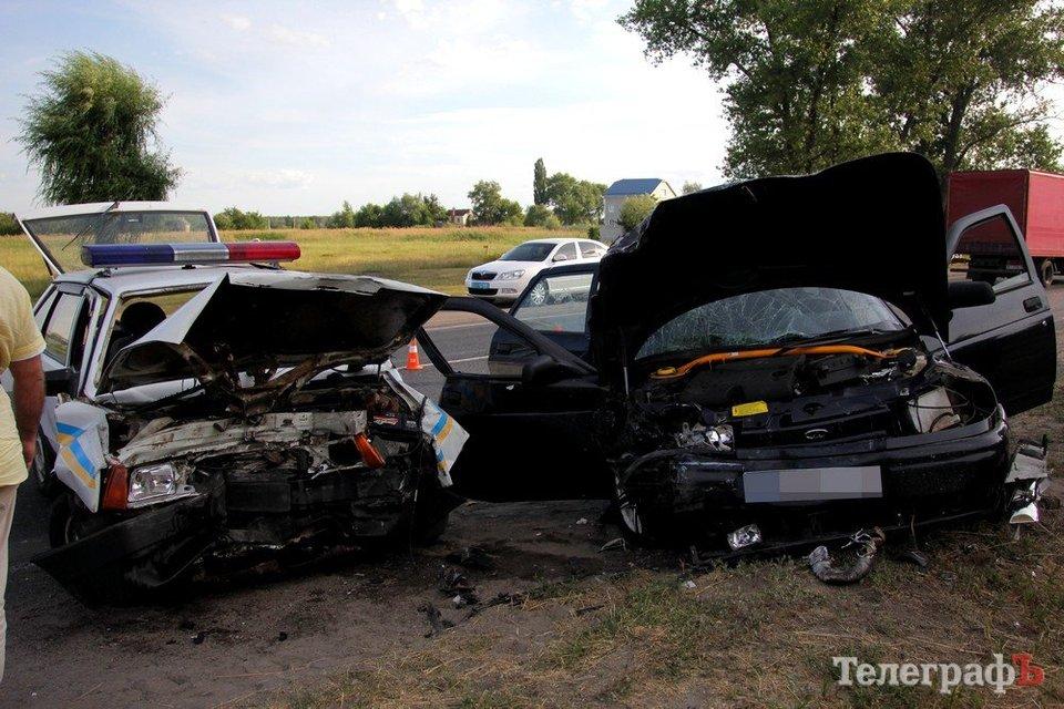 Полиция попала в масштабное ДТП в Кременчуге: четверо пострадавших - фото 53277