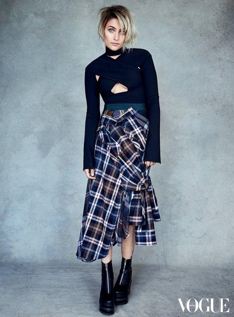 Пэрис Джексон красуется на страницах Vogue в нарядах от Prada - фото 52917