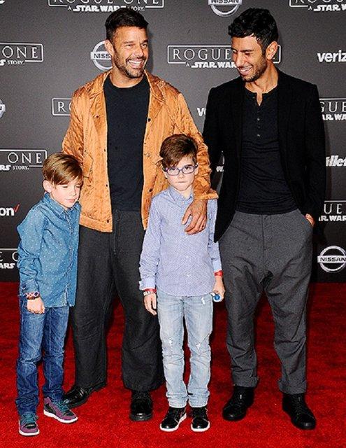 Рики Мартин со своим супругом и детьми  - фото 54564