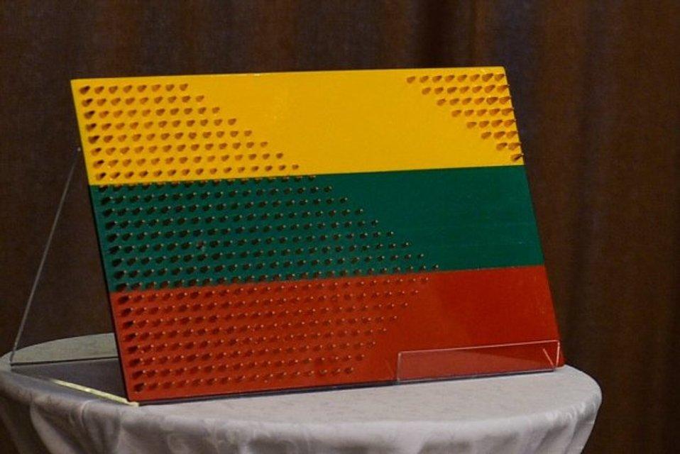 Украинские бойцы сделали необычный подарок Президенту Литвы - фото 50853