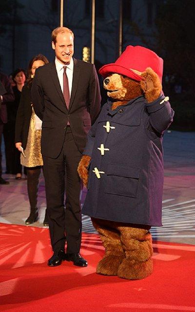 Принц Уильям с медвежонком Паддингтоном - фото 54586
